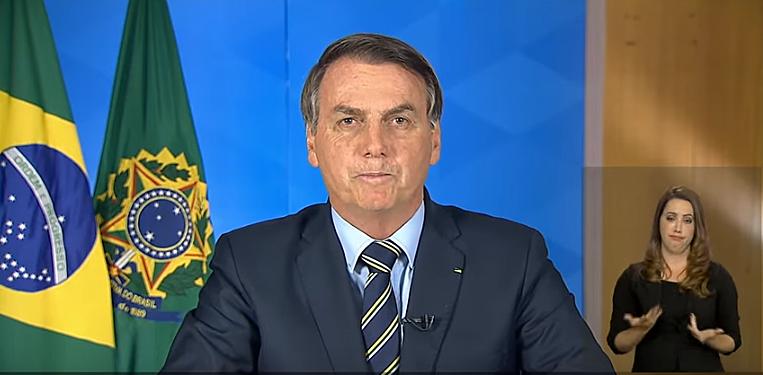 PANDEMIA I Na TV, Bolsonaro faz pouco caso do coronavírus e pede volta à normalidade