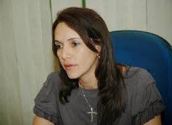 Danielle Garcia questiona compra de aventais e botas pela Prefeitura de Aracaju