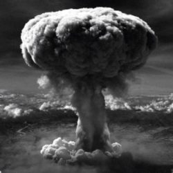 Crimes contra a humanidade: Hiroshima, Nagasaki e Brasil
