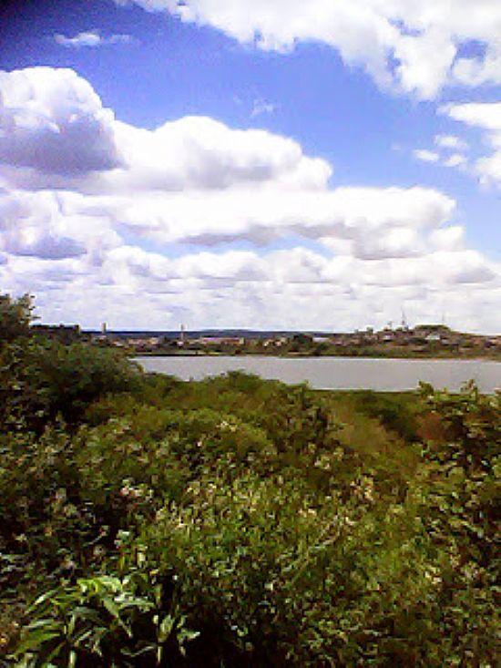 SOS LAGOA DAS PEDRINHAS: Maior patrimônio natural urbano de Propriá condenado ao desaparecimento
