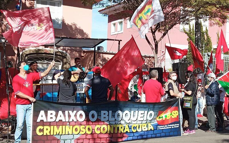 SOLIDARIEDADE: Consulado cubano em SP recebe manifestação em defesa da revolução